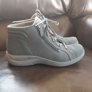 Aravon Rev Stridarc Waterproof Low Boots
